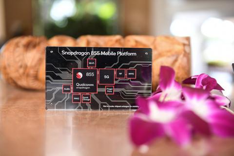 На Geekbench появились тесты Snapdragon 855 в Samsung Galaxy Fold.