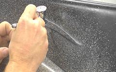 Урок аэрографии: текстура гранита при помощи соли