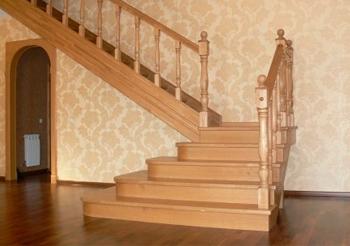 Лестницы из массива на заказ