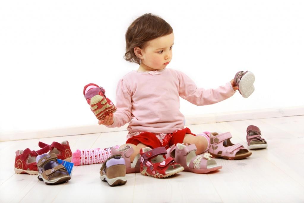 Нужно ли носить ортопедическую обувь детям?