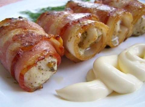 Шашлычки из куриного филе в беконе, приготовленные в воке – вкусно, быстро и просто