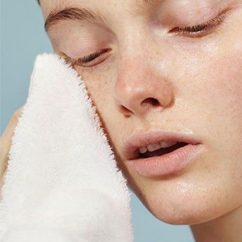 Очищаем кожу лица правильно