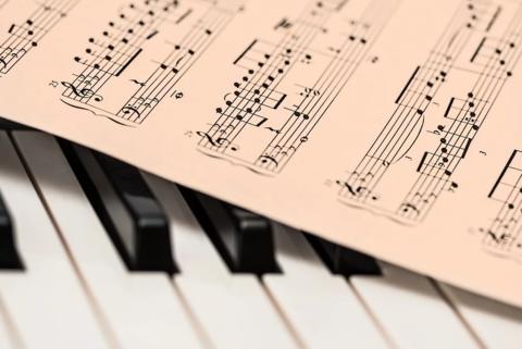 Почему классическая музыка важна для беременных и младенцев?