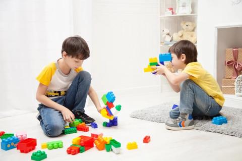Мой малыш - социопат? Почему он не хочет играть с другими детьми?