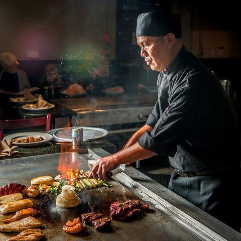 Еда как развлечение: что такое тэппанъяки?
