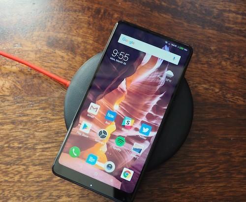 Xiaomi выпустила первый смартфон с поддержкой беспроводной зарядки