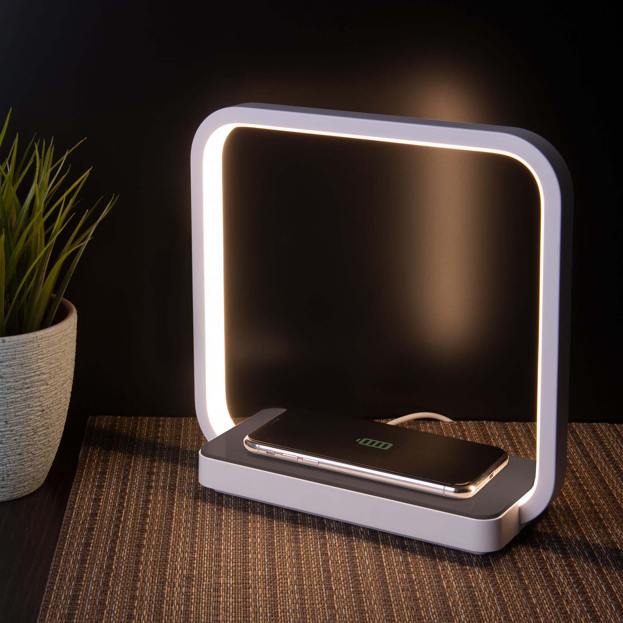 Светодиодная настольная лампа с беспроводной зарядкой!