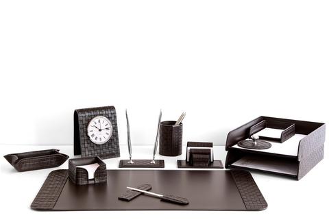 Влияет ли офисный набор для руководителя на статус?