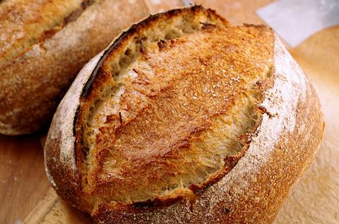 Холодный аутолиз на практике: рецепт пшеничного хлеба на закваске!