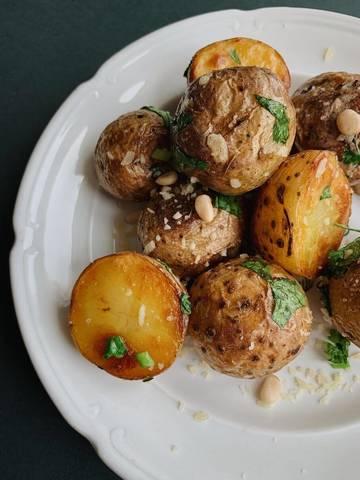 Картошка по-деревенски в духовке, рецепт с фото