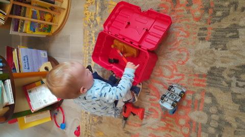 10 способов быстро занять ребёнка с помощью подручных средств