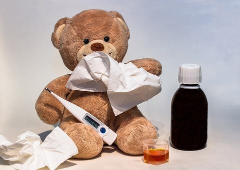 Затяжной насморк или аденоиды у малыша: что это и как лечить?