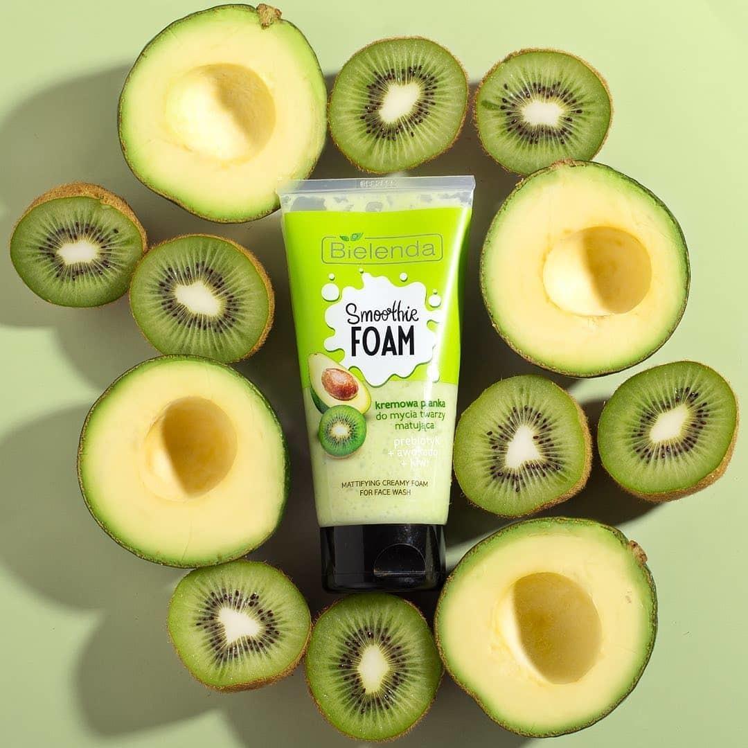 Питательный авокадо или сочный киви? Что выбираете вы!?🥝🥑
