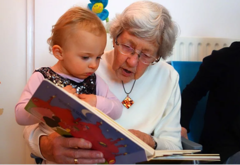 Что делать, если бабушка не хочет сидеть с внуками?