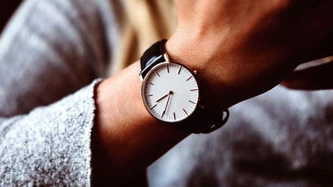 Какие есть хорошие кварцевые часы и чем они лучше механических?