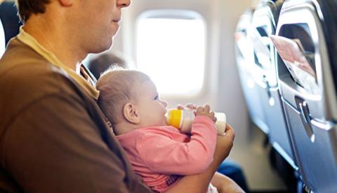 Путешествуете с детьми? Какую еду / закуски взять с собой в самолет…