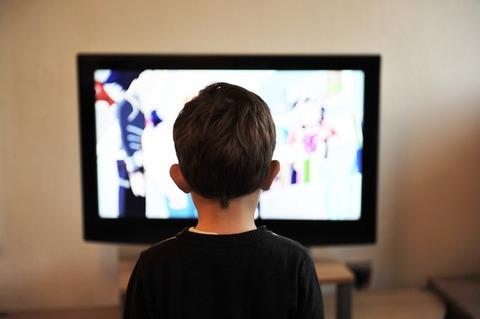 Сколько ребенку до 3 лет можно смотреть телевизор?