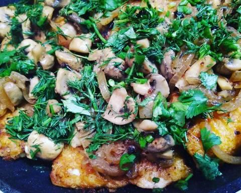 Жареная рыба с грибами