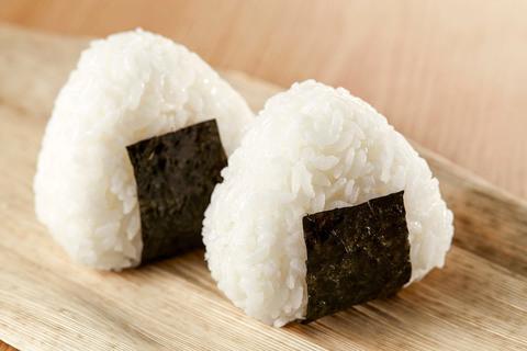 Що таке оніґирі: як приготувати суперпопулярні японські пиріжки