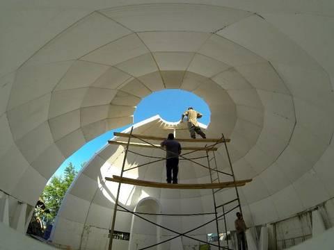 Строительство купольного дома из пенопласта.