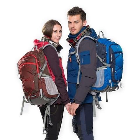 Современные материалы для походной одежды: как не потеть в жару и не мерзнуть в холод.