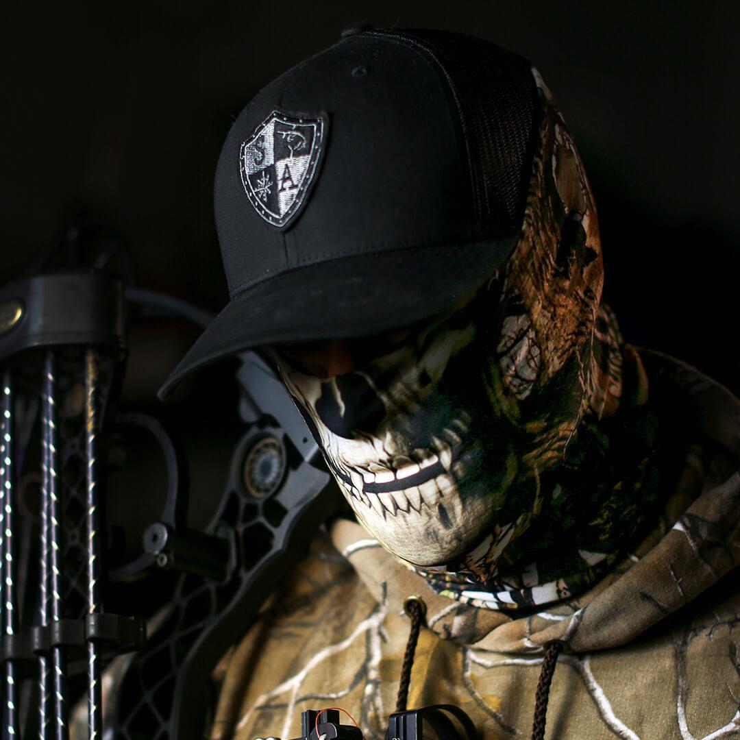 фото в маске скелета было проще