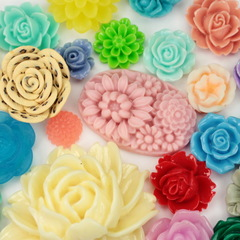 Акриловые кабошоны и цветочки