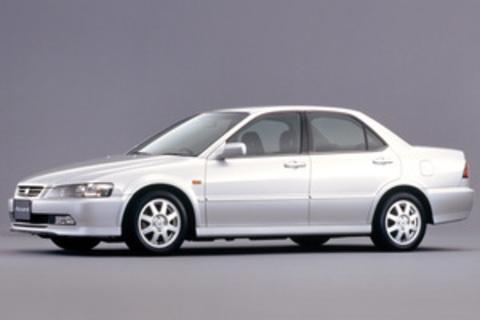 Седан VI 1997-2002