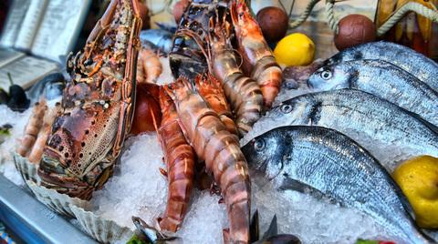 Охлажденная рыба и морепродукты