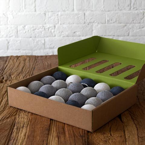 Гирлянды из хлопковых шариков