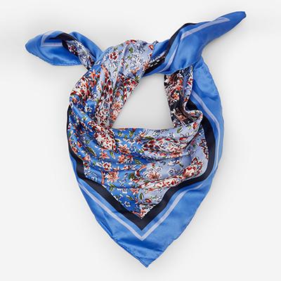 Хустки і шарфи