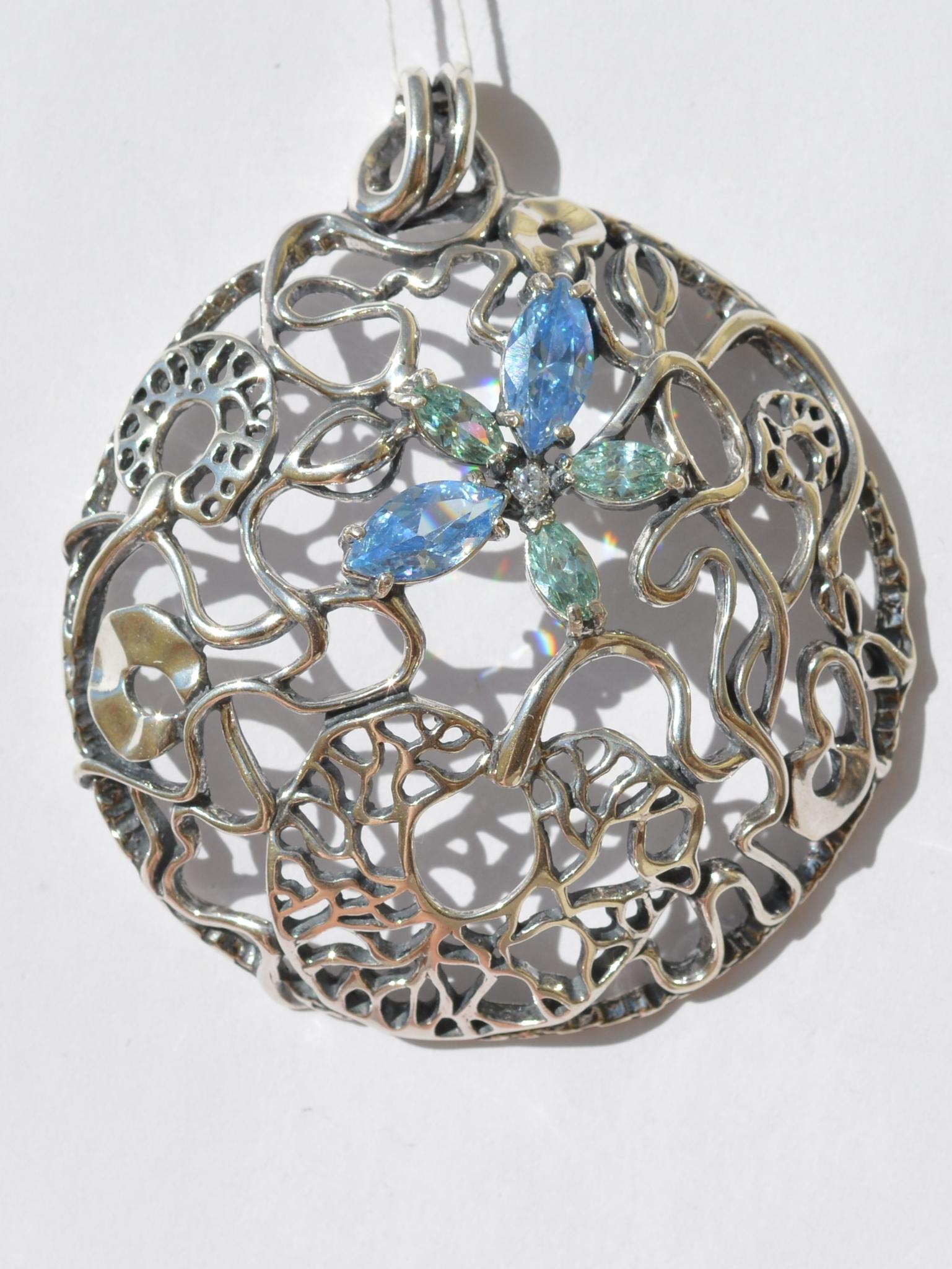 Серебряные кулоны с камнями