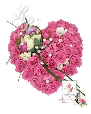 Розы сердцем в коробках