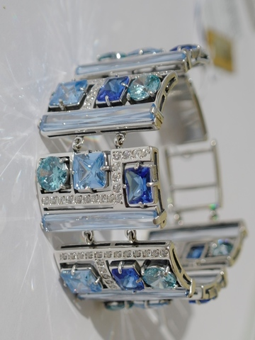 Серебряные широкие браслеты