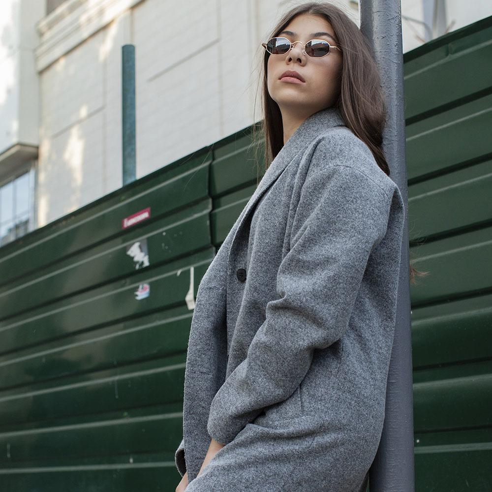 Подростковое кашемировое пальто серого цвета на девочку