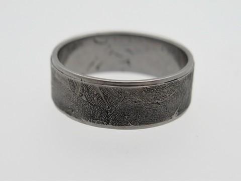 Кольцо из метеорита Сеймчан. Размер 23
