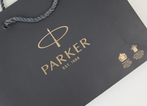 *Фирменный бумажный пакет Parker123