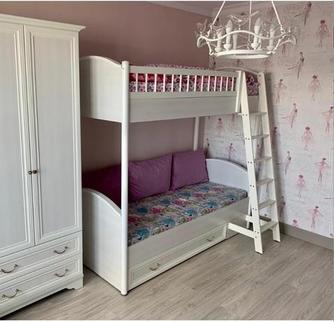 Кровать 2-х ярусная универсальная с лесенкой и ящиком «Классика»