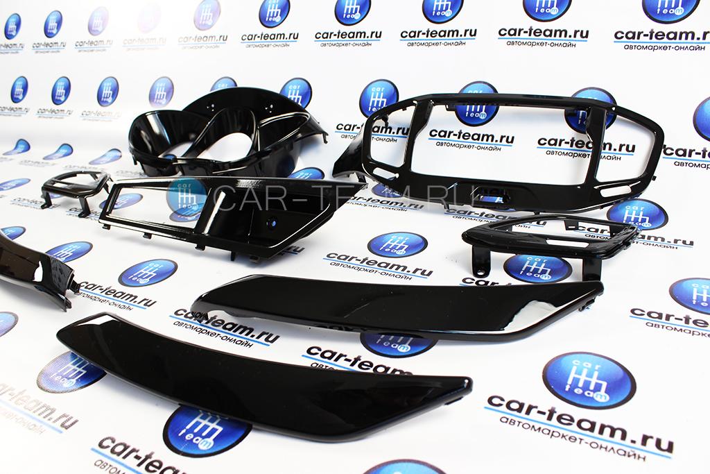 Комплект облицовок салона черный глянец на Лада Веста