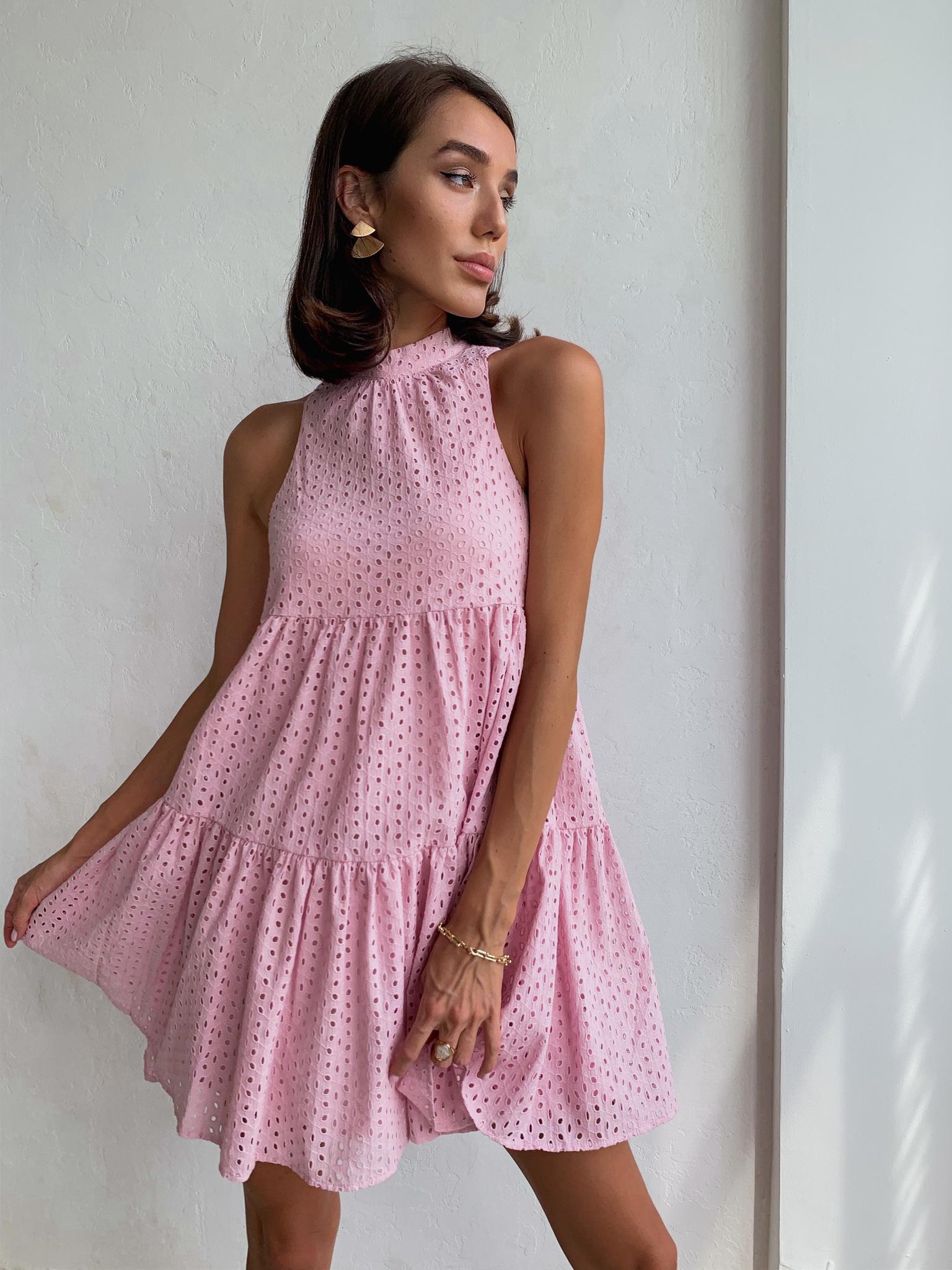 Платье ярусное мини из прошвы (пудровый)