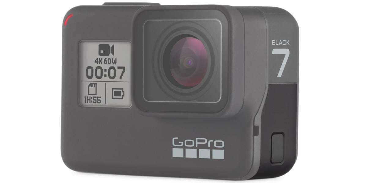 Запасная крышка GoPro Replacement Door HERO7 Black (AAIOD-003) на камере  со стороны