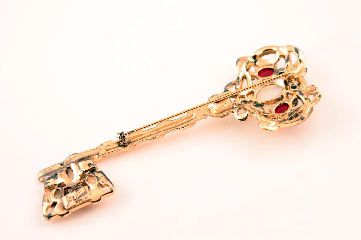 Серебряная брошь «Золотой ключик» от Coro, 40-е гг
