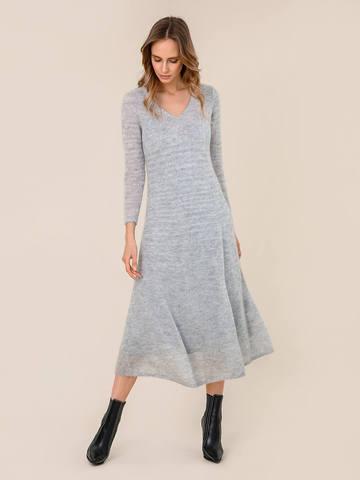 Женское платье светло-серого цвета из мохера - фото 2