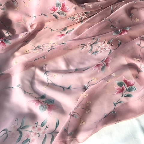 Ткань шифон шелковый розовый с  цветами 1151