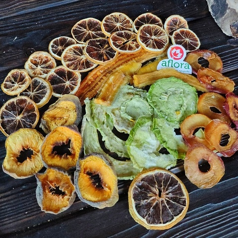 Фотография Чипсы микс (банан, персик, дыня, лимон, слива) / 100 г купить в магазине Афлора
