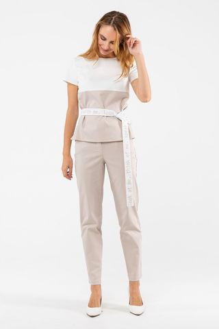 Фото прямая белая блуза с коротким рукавом и поясом на талии - Блуза Г711-197 (1)