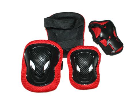 Защита роликовая. В наборе: 2 защиты колена, 2 защиты локтя, 2 защиты кисти. Размер M. :(FB-ML):