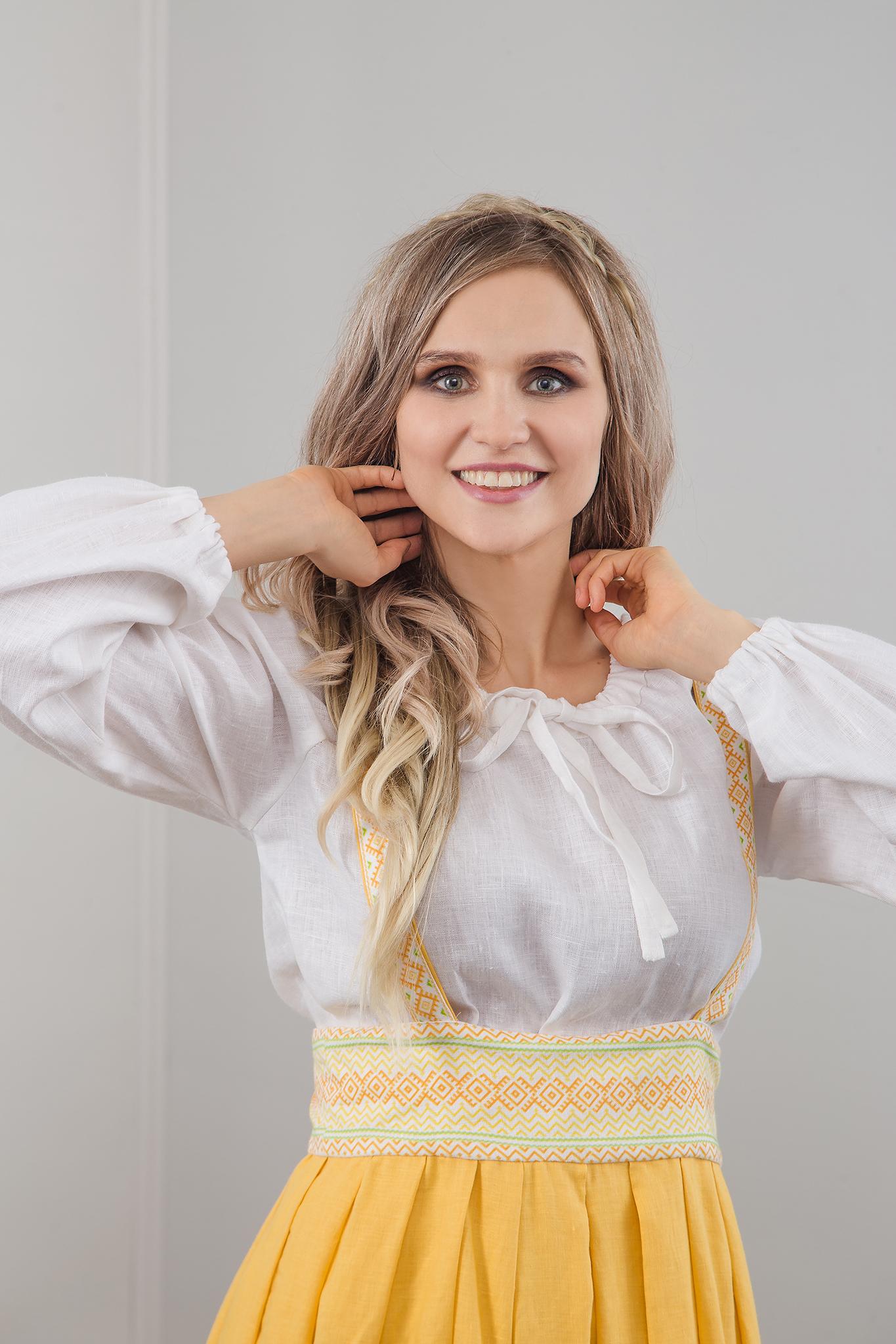 Блуза белая на завязках с сарафаном Младица