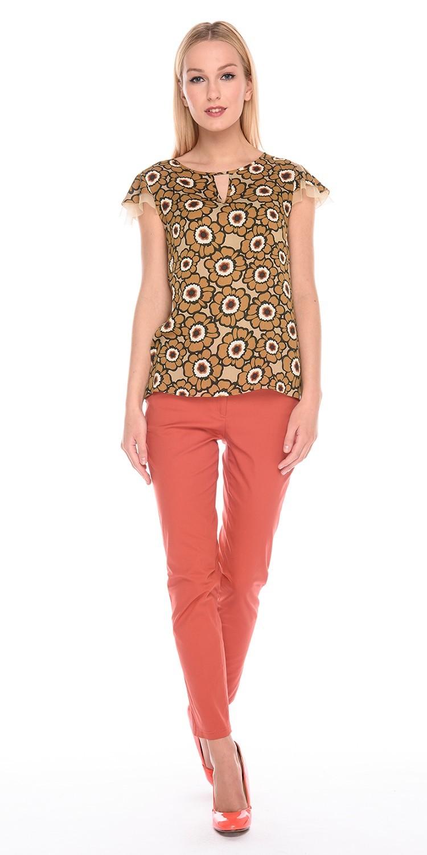 Блуза Г588-337 - Романтичная блузка из вискозной ткани с цветочным принтом. Модель прямого силуэта с двойными рукавами-крылышками. Эта блузка подчеркнет изящество женской фигуры, создавая хрупкий и нежный образ.