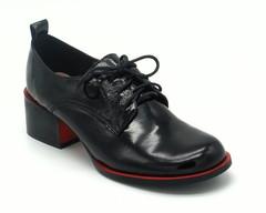 Черные ботинки из натуральной лаковой кожи